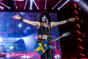Kiss spelar på fullsatt Tele 2 Arena